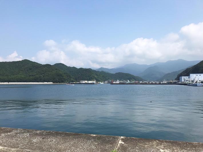 奈屋浦漁港の景色