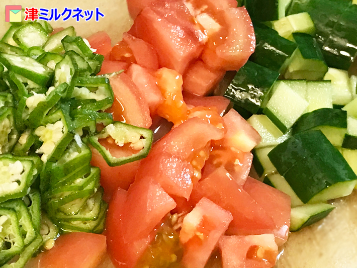 トマトとオクラときゅうり