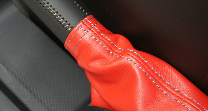 赤の本革サイドブレーキブーツ